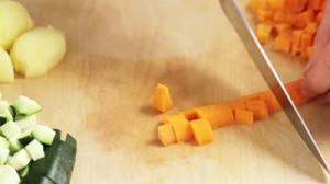 stock-footage-découpage-carottes